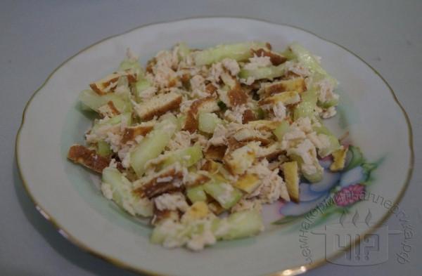 готовый салат с омлетом