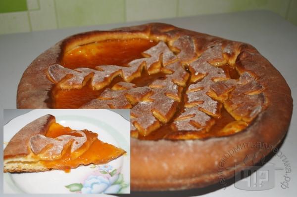 готовый пирог с повидлом