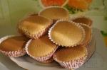 Бисквитные кексы с ягодами