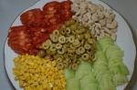 яркий салатик с кукурузой