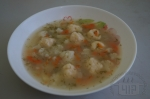 Суп с цветной капустой и сырными шариками