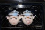 наши горшочки уж в духовке