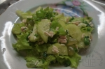 готовый салат с виноградом