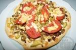готовая пицца горошком