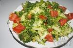Салат с капустой брокколи и горошком
