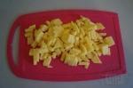 картошка в брус на розовом