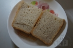 замоченные три ломтя хлеба