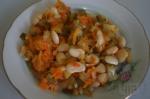 Салат из моркови и белой фасоли