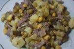 Салат с говяжьим языком и кукурузой