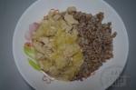 Индейка тушеная с кабачками в соусе из овсяного молока