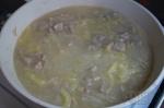 добавление перца к свинине