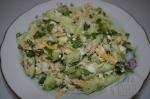 Сочный салат с курицей и сыром