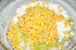 добавление кукурузы в салат с капустой