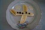 композиция с бананом самолет