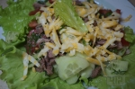 Салат из языка с помидорами и сыром