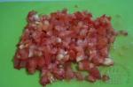 помидоры порезаны мелкими кубиками