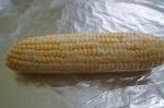 обмазывание кукурузы маслом со специями