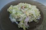 готовый салат с индейкой и грушей